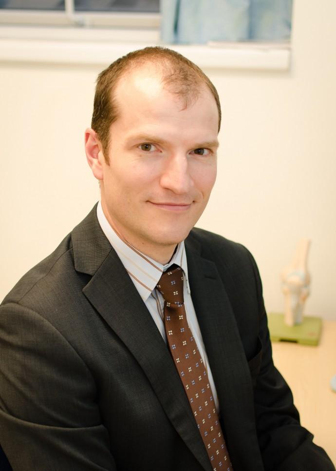 Mr Christopher R. Fetherston